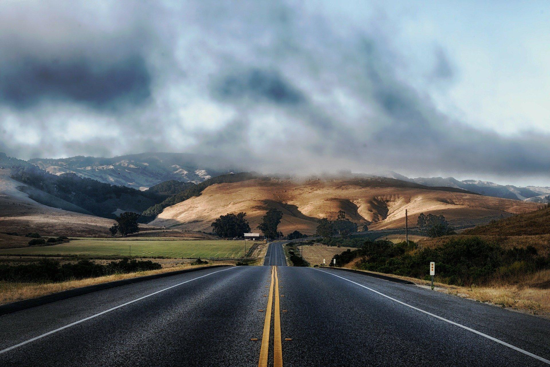 road-210913_1920